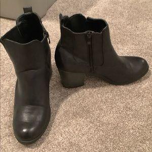 Mia black heeled ankle booties